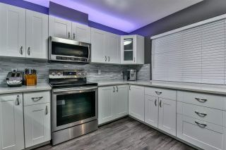 "Photo 7: 3 18181 68 Avenue in Surrey: Cloverdale BC Townhouse for sale in ""MAGNOLIA"" (Cloverdale)  : MLS®# R2141372"
