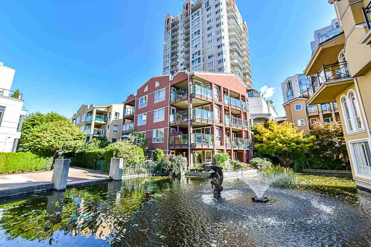 Main Photo: 105 12 LAGUNA COURT in New Westminster: Quay Condo for sale : MLS®# R2409518