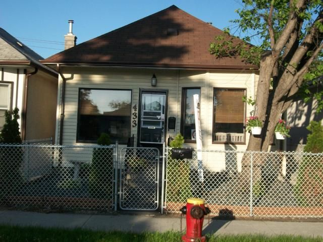 Main Photo: 433 INGLEWOOD Street in WINNIPEG: St James Residential for sale (West Winnipeg)  : MLS®# 1107805