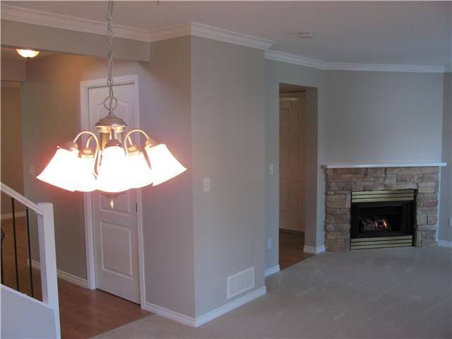 Photo 4: Photos: 2 2212 ATKINS Avenue in Port Coquitlam: Central Pt Coquitlam Townhouse for sale : MLS®# V917398