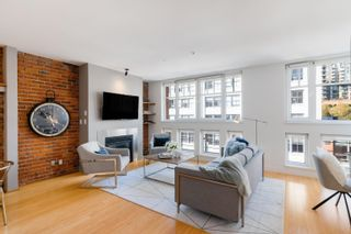 """Photo 6: 401 1072 HAMILTON Street in Vancouver: Yaletown Condo for sale in """"The Crandrall"""" (Vancouver West)  : MLS®# R2620695"""