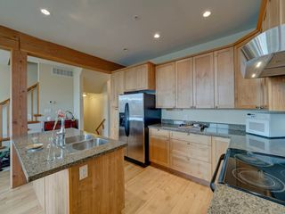 Photo 5: 7 728 GIBSONS WAY in Gibsons: Gibsons & Area Townhouse for sale (Sunshine Coast)  : MLS®# R2537940