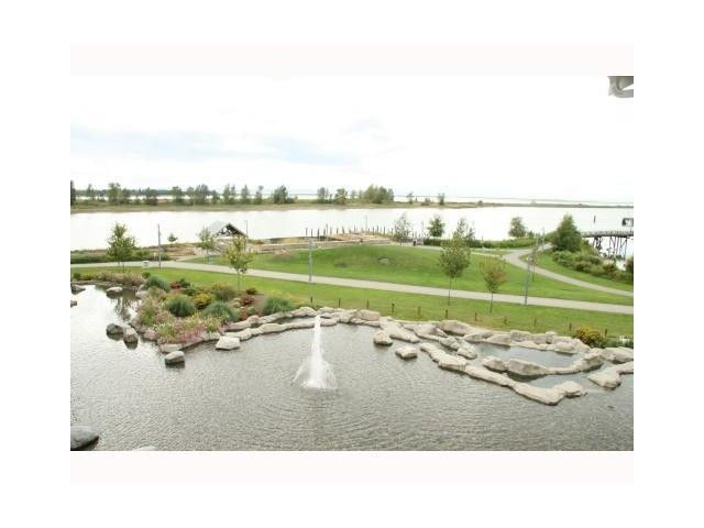 Main Photo: 402 4500 Westwater Drive in Richmond: Steveston South Condo for sale : MLS®# V1062720
