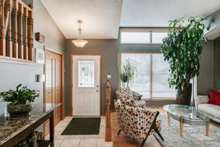 Photo 3: 127 Wood Valley Drive SW in Calgary: Woodbine Detached for sale : MLS®# A1062354