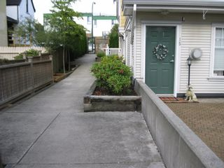 Photo 20: 15 240 10th. STREET in COBBELSTONE WALK: Home for sale