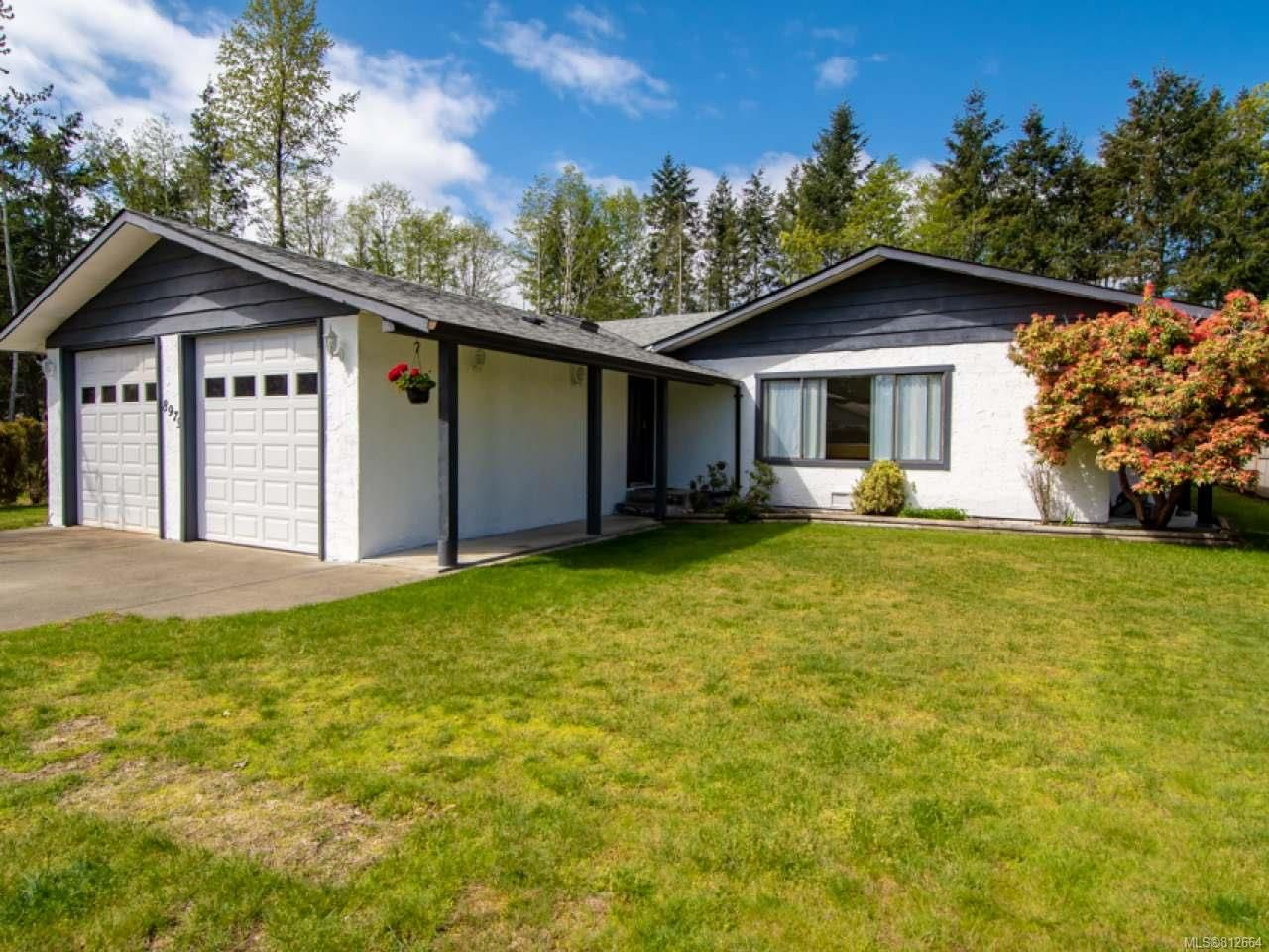 Main Photo: 8979 MCLAREY Avenue in BLACK CREEK: CV Merville Black Creek House for sale (Comox Valley)  : MLS®# 812664