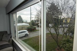 Photo 5: 1072 HABGOOD Street in Surrey: White Rock House for sale (South Surrey White Rock)  : MLS®# R2548430