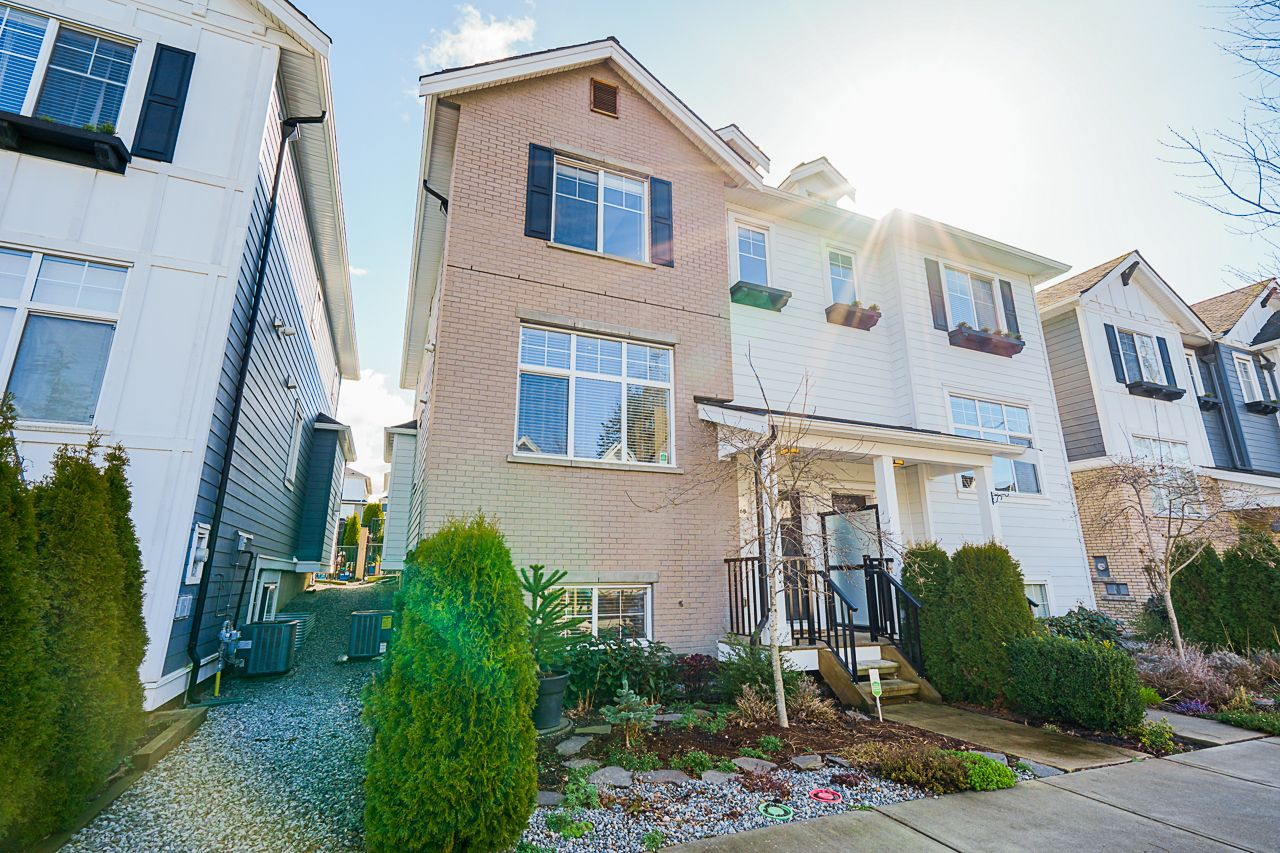 """Main Photo: 2260 164A Street in Surrey: Grandview Surrey 1/2 Duplex for sale in """"Elevate at the Hamptons"""" (South Surrey White Rock)  : MLS®# R2553427"""