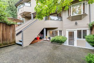 """Photo 18: 2411 W 1ST Avenue in Vancouver: Kitsilano Townhouse for sale in """"BAYSIDE MANOR"""" (Vancouver West)  : MLS®# R2408792"""