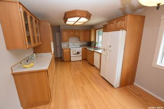 Photo 3: 413 112th Street West in Saskatoon: Sutherland Residential for sale : MLS®# SK864508
