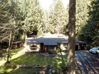 Photo 2: 3004 LOWER Road: Roberts Creek House for sale (Sunshine Coast)  : MLS®# R2249400