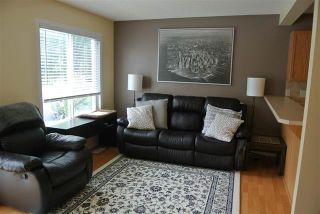 Photo 2: 16325 55A ST NW in Edmonton: Zone 03 House Half Duplex for sale : MLS®# E4068994