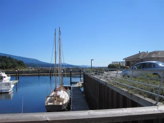 Photo 8: 207 1585 FIELD Road in Sechelt: Sechelt District Condo for sale (Sunshine Coast)  : MLS®# R2471792