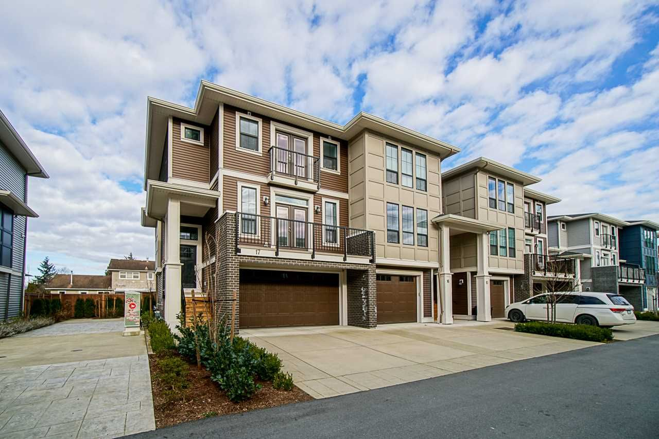 Main Photo: 17 45545 KIPP Avenue in Chilliwack: Chilliwack W Young-Well Townhouse for sale : MLS®# R2536991