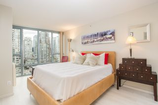 """Photo 11: 2205 930 CAMBIE Street in Vancouver: Yaletown Condo for sale in """"Pacific Place Landmark II"""" (Vancouver West)  : MLS®# R2394764"""