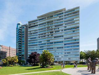 "Photo 24: 1903 1835 MORTON Avenue in Vancouver: West End VW Condo for sale in ""Ocean Towers"" (Vancouver West)  : MLS®# R2575203"