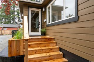 Photo 3: 4821 Cordova Bay Rd in : SE Cordova Bay House for sale (Saanich East)  : MLS®# 858939
