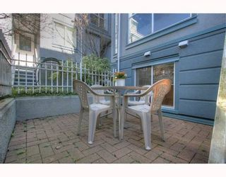 """Photo 9: 5 877 W 7TH Avenue in Vancouver: Fairview VW Townhouse for sale in """"EMERALD COURT"""" (Vancouver West)  : MLS®# v818670"""