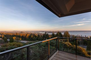 Photo 1: 14 2206 FOLKESTONE WAY in West Vancouver: Panorama Village Townhouse for sale : MLS®# R2477030