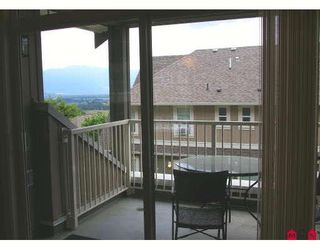 """Photo 4: 17 5623 TESKEY Way in Sardis: Promontory Townhouse for sale in """"WISTERIA HEIGHTS"""" : MLS®# H2902507"""