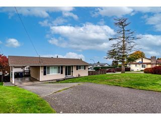 Main Photo: 3589 WALDEN Street in Abbotsford: Abbotsford East House for sale : MLS®# R2627018