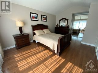 Photo 18: 22 GREATWOOD CRESCENT in Ottawa: House for sale : MLS®# 1258576