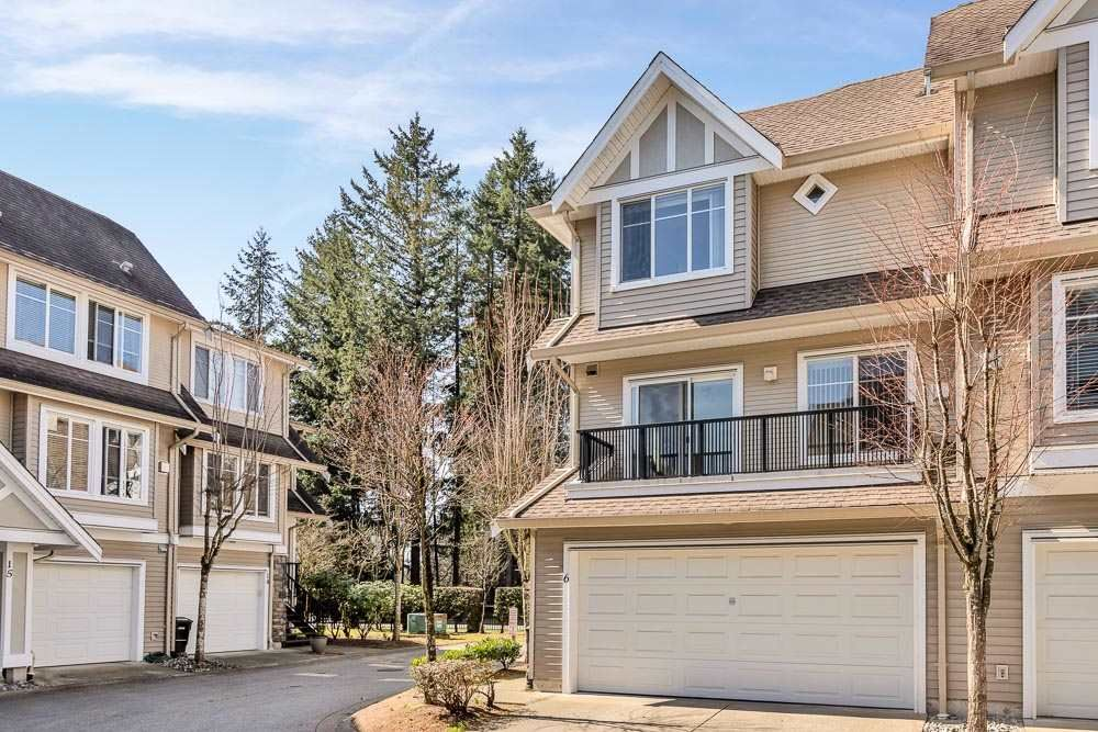 """Main Photo: 6 19141 124 Avenue in Pitt Meadows: Mid Meadows Townhouse for sale in """"Meadow View Estates"""" : MLS®# R2559749"""