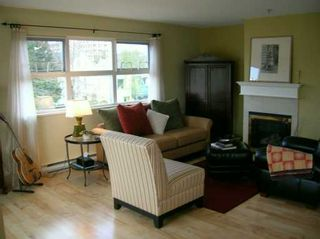 Photo 3: 302 3008 WILLOW ST in Vancouver: Fairview VW Condo for sale (Vancouver West)  : MLS®# V586298