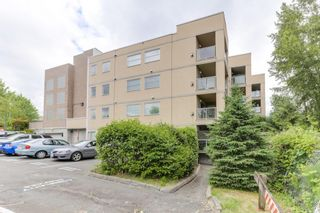 """Photo 1: 301 22722 LOUGHEED Highway in Maple Ridge: East Central Condo for sale in """"Marks Place"""" : MLS®# R2381095"""