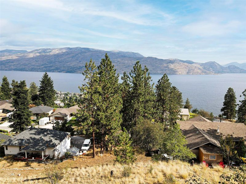 FEATURED LISTING: 3993 Ponderosa Place Peachland