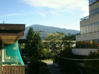 """Photo 5: 302 1610 CHESTERFIELD AV in North Vancouver: Central Lonsdale Condo for sale in """"CANTERBURY HOUSE"""" : MLS®# V606370"""