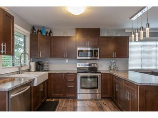 Photo 5: 12419 188A STREET in Pitt Meadows: Central Meadows House for sale : MLS®# R2302445