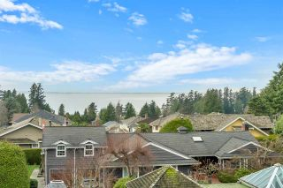 "Photo 13: 305 1725 128 Street in Surrey: Crescent Bch Ocean Pk. Condo for sale in ""Ocean Park Gardens"" (South Surrey White Rock)  : MLS®# R2531078"