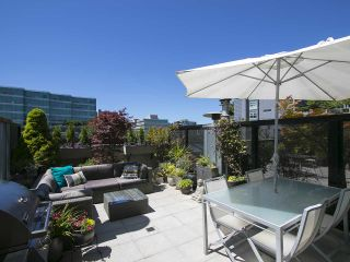 """Photo 2: 305 428 W 8TH Avenue in Vancouver: Mount Pleasant VW Condo for sale in """"XL LOFTS"""" (Vancouver West)  : MLS®# R2184000"""