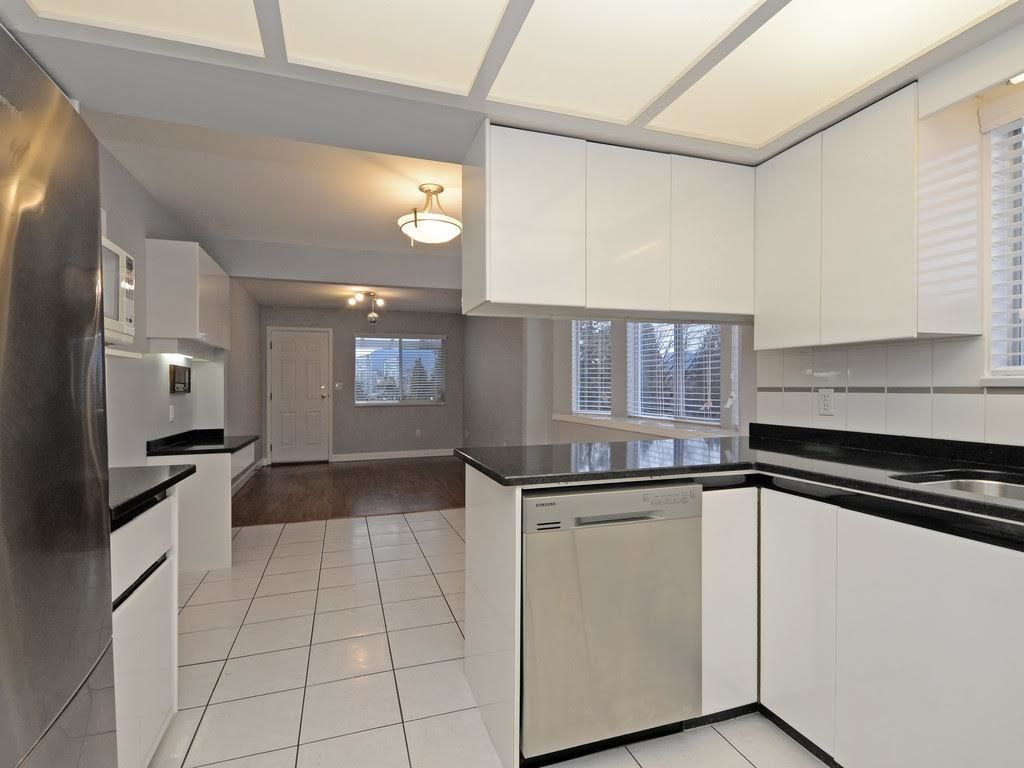 Photo 8: Photos: 5521 NORFOLK Street in Burnaby: Central BN House for sale (Burnaby North)  : MLS®# R2139065