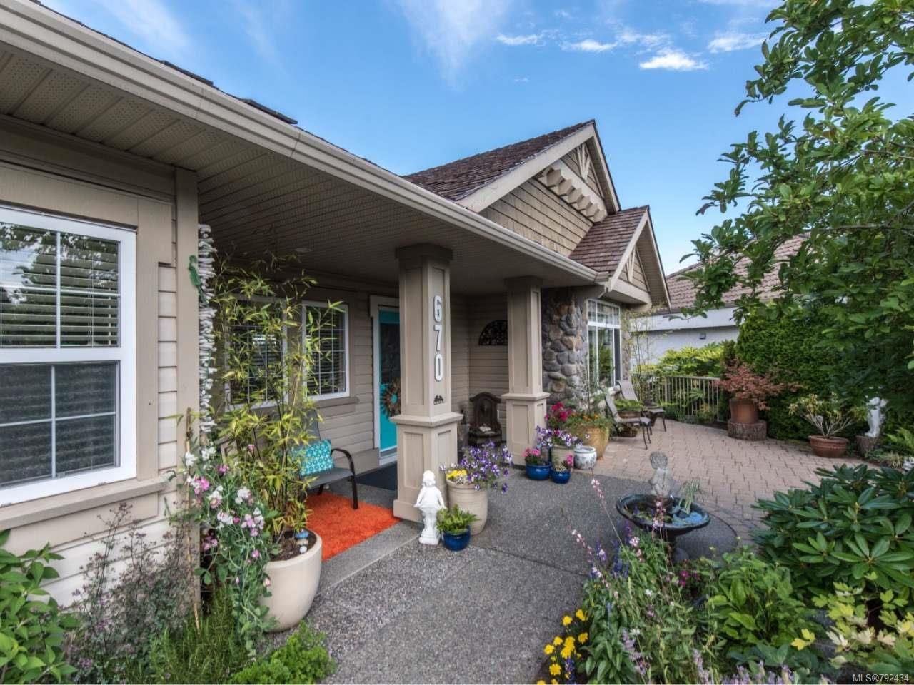 Main Photo: 670 Augusta Pl in COBBLE HILL: ML Cobble Hill House for sale (Malahat & Area)  : MLS®# 792434