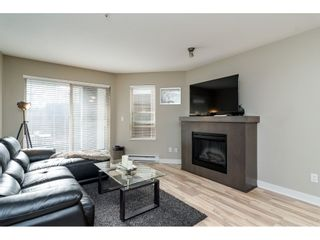 """Photo 4: 113 8915 202 Street in Langley: Walnut Grove Condo for sale in """"THE HAWTHORNE"""" : MLS®# R2444586"""